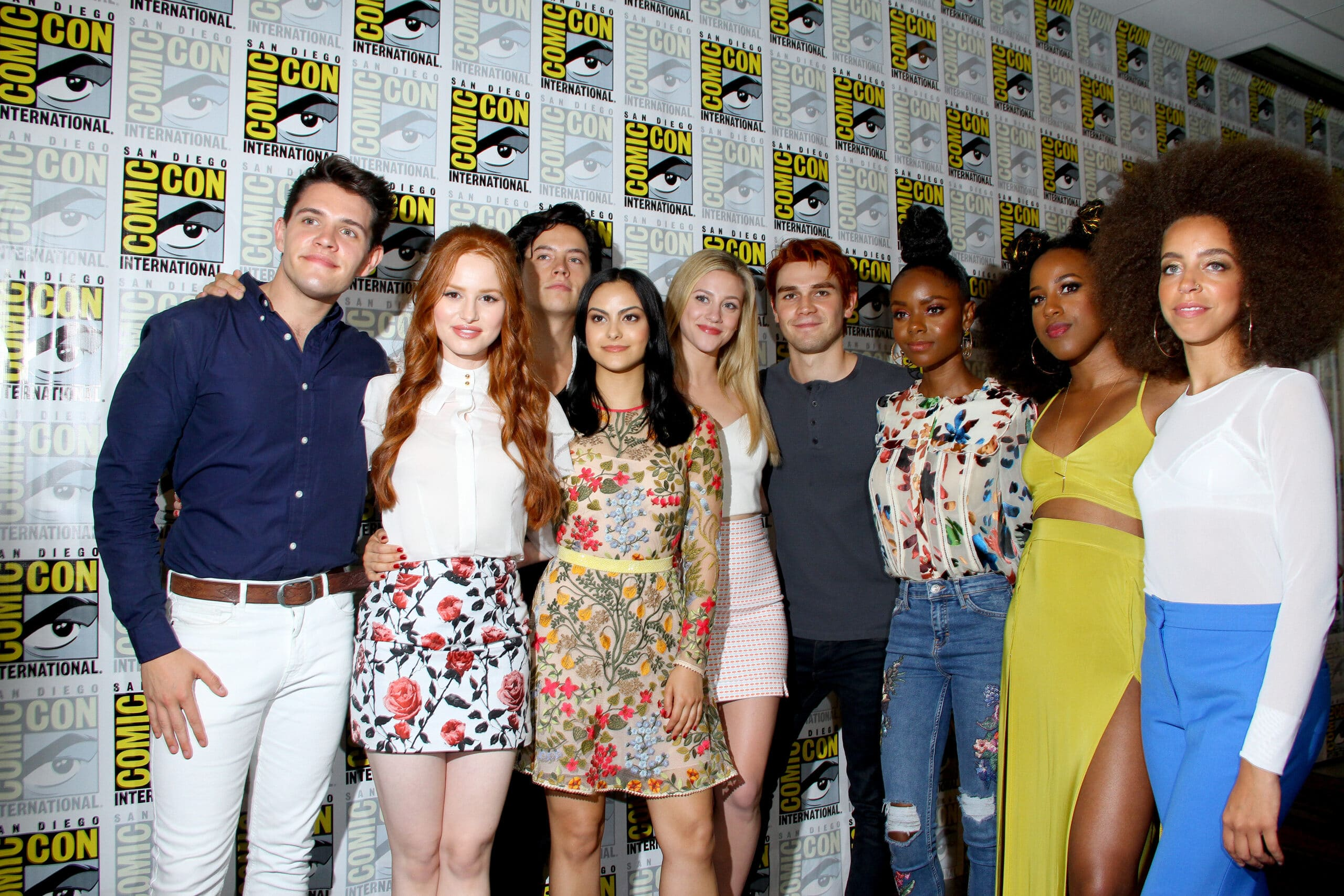 The cast of riverdale season 4