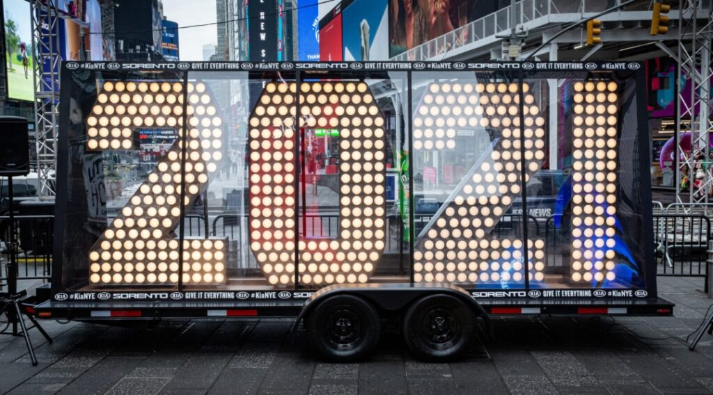 2020 Numeral Arrival Times Square
